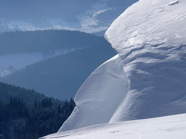Vagues de neige sur la crête. Haut-Rhin. Février 2009.