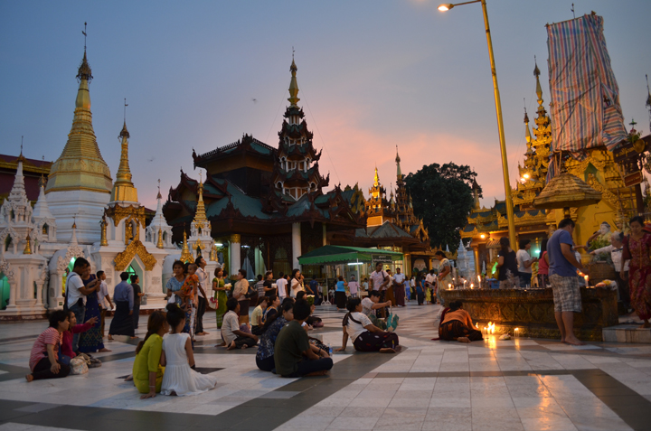 Shwedagon Pagoda. Rangoun. Birmanie. Mai 2014.